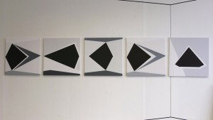 img_5_schwarz weissich (5x60-60cm)_five in a row_studio shot Berlin 2014
